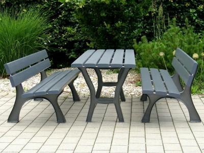 Sitzgruppen und Tische
