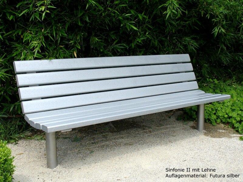 seniorengerechte Bank Sinfonie II mit hoher Rückenlehne und ergonomischer Sitzfläche